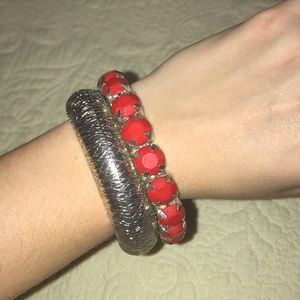 Jewelry - Red and silver bangle set